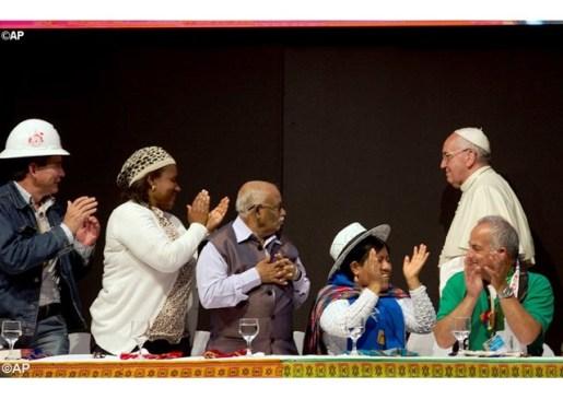 Papa aos Movimentos Populares: semeadores de mudança
