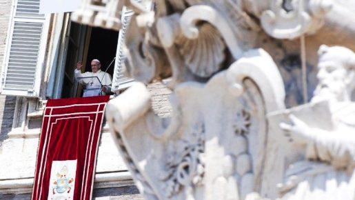 Papa na festa da Assunção: o alegre serviço a Deus se expressa também num generoso serviço aos irmãos