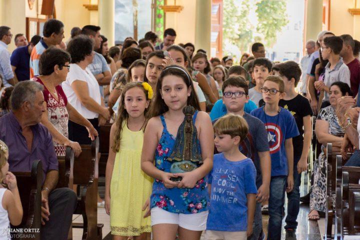 Missa das 9h30 com Batizados