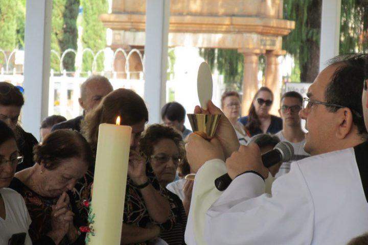 Missa no Cemitério da Praça da Bíblia pelas Mães Falecidas 12/05/2019
