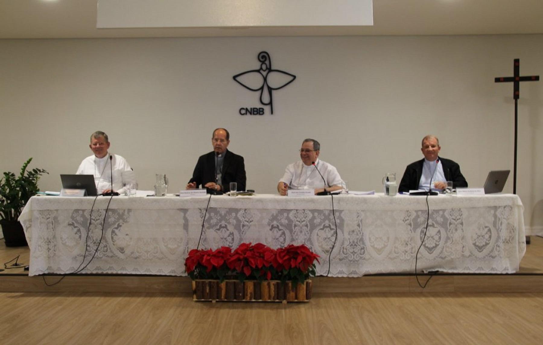 Presidente da CNBB, dom Walmor Oliveira de Azevedo, faz balanço da 100ª reunião do Conselho Permanente