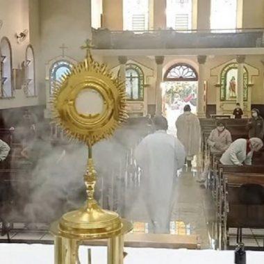 Quinta-feira de Adoração ao Santíssimo Sacramento – Missa das 7h